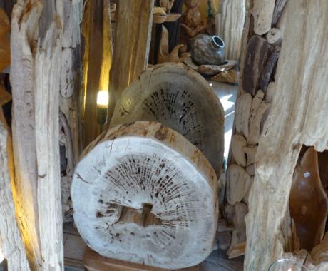 Holzdekor – Tische & Stühle